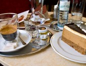 Cheap flights to Vienna: Coffee