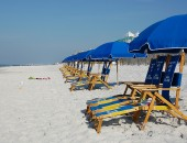 Cancun: Beach umbrellas