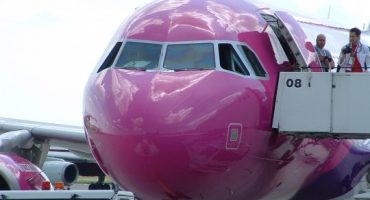 Wizzair will charge for airport check-in from April 2010