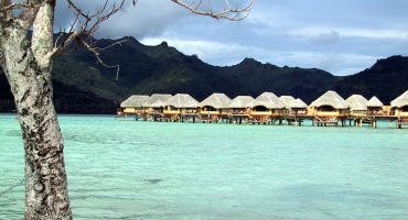 Tahiti: one cheap flight to paradise, please!