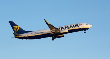 Ryanair slashes prices, save 25% until May 6th