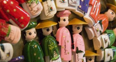 Holiday souvenirs: what to leave & what to take?