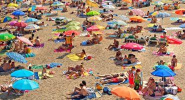 Sun4U folds, leaving 1,200 passengers stranded