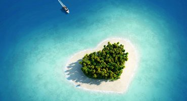 "Where to kiss around the world: Top 10 ""love"" destinations"