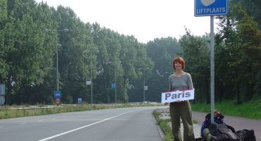 10 tips on how to hitchhike safely and effectively
