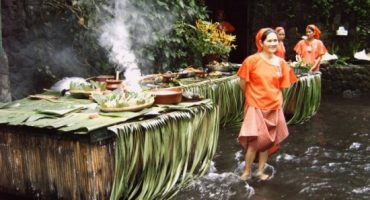 Going tropical: Philippine's waterfall restaurant