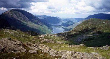 Top 5 swimming lakes in Britain