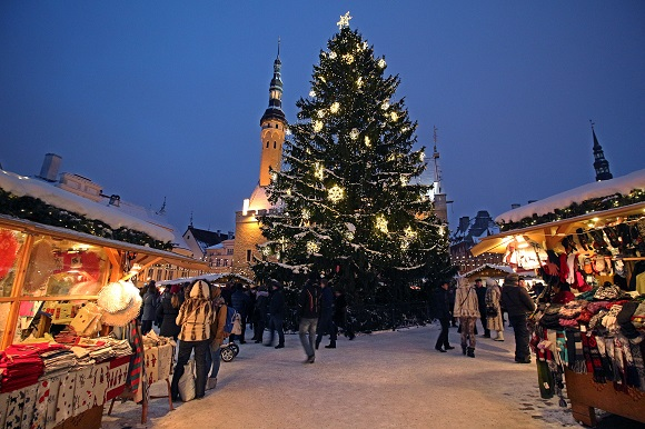 Tallinn christmas market tree snow