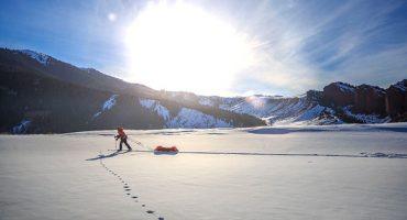PHOTOS: skiing across Kyrgyzstan