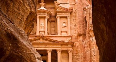 Jordan waives visa fees hoping to lure tourists