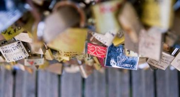 "This is the end of Paris' ""love locks"""