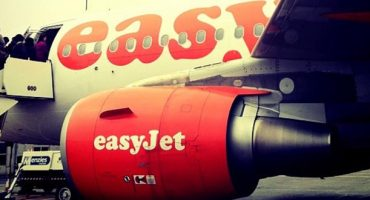 easyJet no longer guarantees cabin luggage