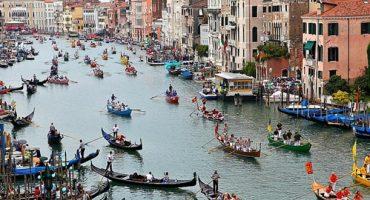 Experience Venice's historic regatta