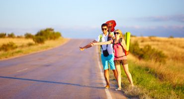 8 ways to make a living while traveling
