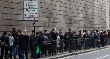 Holidaymakers queue outside STA Travel two days before sale