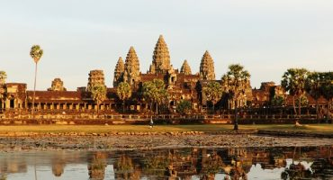 Tourists asked to cover up before visiting Angkor Wat