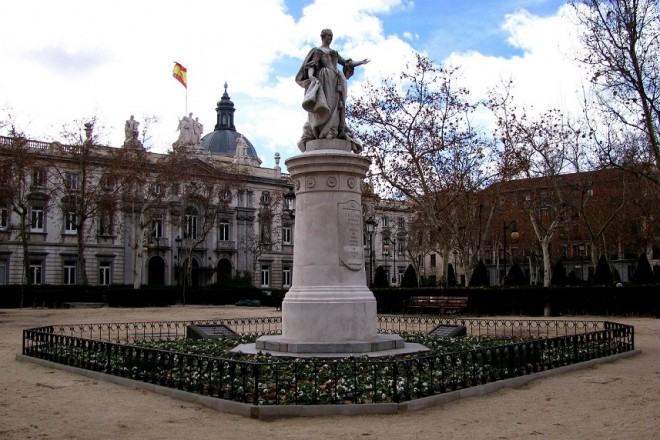 Plaza de la Villa de Paris Madrid