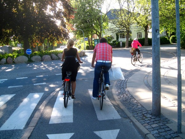 cycling-couple